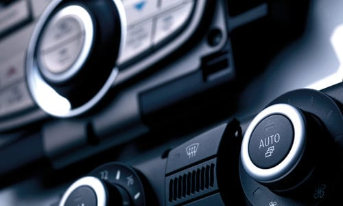 Automotive Interior: Decorative rotary knobs