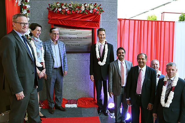 Manesar inauguration - after unveiling the Inauguration plaque